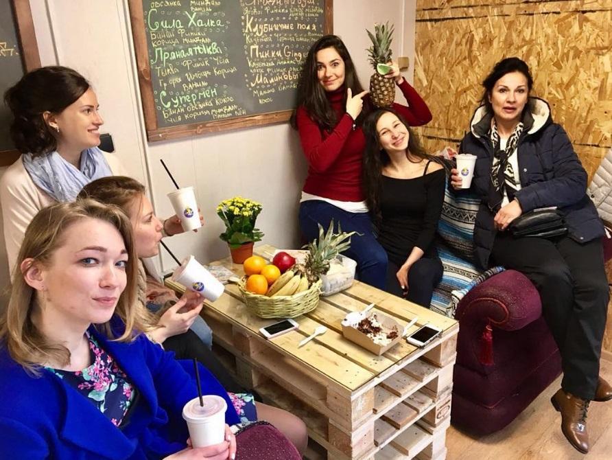 Внутри кафе Смузи Мама в Санкт-Петербурге